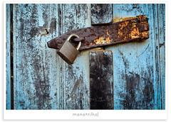 (Mateus Carvalho |) Tags: door cores 50mm objetos porta locks cadeados nikond7000 monotrilho|