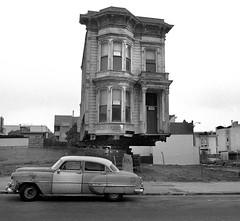 Western Addition, San Francisco (Dave Glass . foto) Tags: sanfrancisco victorian westernaddition urbanrenewal victorianarchitecture ellisstreet housemovers urbanredevelopment fillmoredistrict 1954chevrolet minoltasr2 sanfranciscoredevelopmentagency