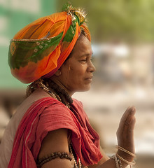 Serene blessing (Sri Lankan Photos) Tags: india lady female religious religion blessing holy hindu sadhu ascetic haridwar sadhus sadhvi hardwar holywoman sadhvis sadvi femalesadhu