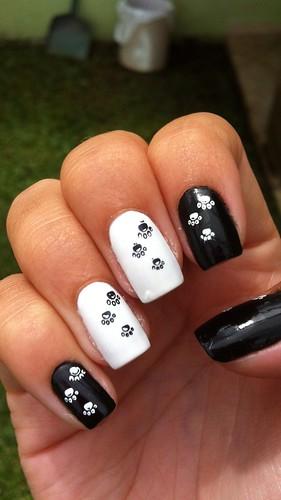 Dia 7 :: Black and White Nails :: Preto Fosco - Risqué + Pétala Branca - Colorama