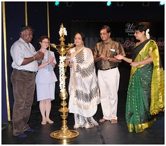CG McIntyre celebrates International Dance Day (US Consulate Chennai) Tags: internationaldanceday drpadmasubramaniam usconsulatechennai