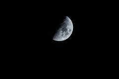 DSC01001 (giannhs_sk) Tags: moon 200mm nex7 sel18200le