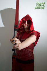 IMG_0367 (Neil Keogh Photography) Tags: red black female comics dc pants mask top jacket hero hood cosplayer dccomics armour merc redarrow mercenary bowarrow salfordcomiccon2016