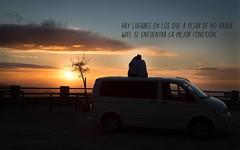 :) (Coral ML) Tags: life travel sun mountains love luz sol contraluz landscape atardecer pareja amor tranquility paisaje furgoneta momentos montaas tranquilidad furgoviaje