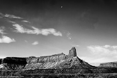 The Cliff and the Moon... (CCBImages) Tags: utah hike canyonlandsnationalpark moab druidarch needlesdistrict 2015ccbimagescom 2016ccbimagescom