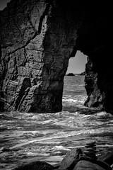DSC_0302 (FlipperOo) Tags: voyage sea mer france color st rock port de nikon pierre vagues plage morbihan blanc roche arche quiberon instagramapp