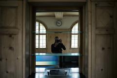 sala da spetga @ Lavin Staziun (GR) (Toni_V) Tags: me reflections schweiz switzerland europe dof suisse bokeh hiking spiegel rangefinder bistro mp svizzera engadin tura wanderung selfie randonne 2016 lavin graubnden grisons svizra bahnstation escursione summiluxm leicam unterengadin grischun 35mmf14asph staziun engiadinabassa niksoftware 35lux messsucher 160430 35mmf14asphfle typ240 analogefexpro2 toniv m2404545