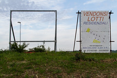 """vendonsi lotti, lampioni e pezzi di cielo #morrodalba #marche #italy #clod #giornatedifotografia #sensi #enricoprada #canon #vendonsi #canon #7d #surrealism #cielo #panorama #landscape (claudio """"clod"""" giuliani) Tags: italy canon clod sensi morrodalba giornatedifotografia"""