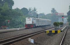 Logawa (Ikhsan Prabowo Hadi) Tags: railroad train google rail railway railways railfan keyword railfans keretaapi patukan logawa