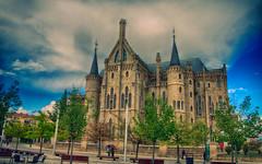 Palacio de Gaud (Gabriel Fernandez Ramos) Tags: de gaud len palacio astorga gabrielfdez
