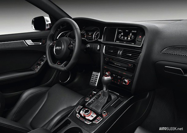 Audi-RS4_Avant_2013_800x600_wallpaper_10