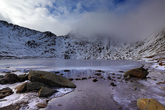 Helvellyn shrouded in mist (Stephen Laverack) Tags: winter england snow ice hiking lakedistrict fells tarn helvellyn patterdale glenridding cumbia redtarn