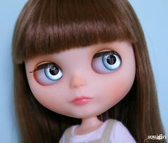 Rosie's blue handpainted eyechips :)
