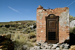 Bodie Bank (Nuuttipukki) Tags: california park abandoned lost town state ghost bank places bodie wildwest ruinen ruines wilderwesten banktresor