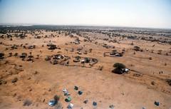 Return Arab Nomadic Community (UNAMID Photo) Tags: africa horses sudan un arab return unitednations nomad camels onu nomadic cascosazules idp nacionesunidas returnees northdarfur elfasher headofoffice nacionsunides albertgonzalezfarran unamid albertgonzaleznet cascosblaus hassangibril