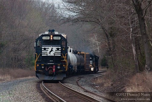 """NS H76 at Stanton Station Road, NJ • <a style=""""font-size:0.8em;"""" href=""""https://www.flickr.com/photos/20365595@N04/6880610380/"""" target=""""_blank"""">View on Flickr</a>"""