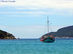 Arraial do Cabo-RJ (FM Carvalho) Tags: sea brazil costa sol brasil riodejaneiro sailboat mar cabo do shot sony cybershot lagos dos sail sonycybershot cyber brésil sloop arraial região arraialdocabo p72 veleiro saveiro costadosol sonyp72 regiãodoslagos