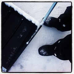 Mr Snösläde och paret Sorel - mina vinterkompisar! (TinaOo) Tags: winter snow square vinter shoes lofi squareformat kängor iphoneography instagramapp uploaded:by=instagram snösläde vinterskor