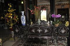 intrieur de la maison (Jean-Louis POTIER) Tags: vietnam orchides lamant earthasia
