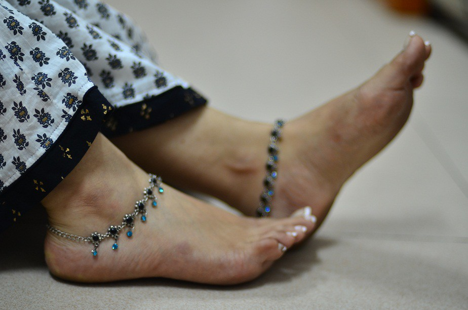 Nice Indian Kerala Beautiful Woman Legs Ideas - Jewelry Collection ...