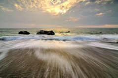 Silky at Fangshan Coast @ (Vincent_Ting) Tags: light sunset sky seascape water clouds rocks waves taiwan   milky  silky