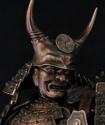 Gentle Giant - 殺客同萌:巨型機槍武士雕像