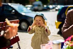 at gagarin (Winfried Veil) Tags: leica portrait caf girl breakfast nose 50mm cafe leute dof child veil bokeh streetphotography streetlife rangefinder portrt menschen depthoffield kind summilux asph nase mdchen winfried frhstck m9 schrfentiefe gagarin 2011 tiefenschrfe unschrfe messsucher mobilew strasenleben leicam9 winfriedveil