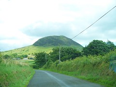 Slemish Mountain, Co. Antrim. Northern Ireland (FranTravelStories) Tags: world travel ireland mountain holiday travelling art history nature beautiful beauty montagne photography landscapes travels europa europe european kodak euro diary culture natura traveller northernireland fotografia stpatrick beauties 2008 cultures viaggi paesaggi viaggio cultura vacanza diario irlanda bellezza europea traveler mondo bello storia slemish viaggiatore europeo sanpatrizio viaggiare irlandadelnord europei