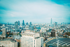 London von oben (thendele) Tags: uk houses england london skyline architecture architectural gb architektur hochhaus huser wolkenkratzer greaterlondon vereinigtesknigreich theshard londonvonoben