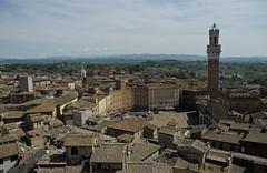 piazza del campo , Siena (jean-marc losey) Tags: italia siena toscana toit toscane italie sienne piazzadelcampo torredelmangia p7000