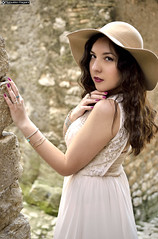 ale_DSC8147modfirma (manuele_pagani) Tags: portrait girl outfit italian outdoor persone latina ritratto peruvian elegance sermoneta