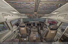 American Airlines Boeing 757-223 (N190AA) *Cockpit* (Michael Davis Photography) Tags: airplane photography fly gate nashville aviation air flight jet landing american boeing arrival americanairlines aa airliner jetliner bna oneworld boeing757 b757 nashvilletennessee kbna nashvilleairport n190aa