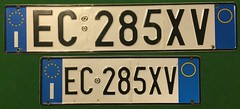 ITALY CURRENT ---LICENSE PLATE PAIR, SMALL PLATE FOR FRONT OF VEHICLE (woody1778a) Tags: italy italia europe europa licenseplate numberplate mycollection myhobby alpca1778 registrationplate hobby
