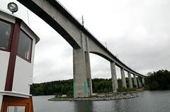 Gota_Canal_leaving_Stockholm_14_m1_screen (pntphoto) Tags: bridge cruise canal sweden sverige gota scandinavia pavel trebukov pntphoto