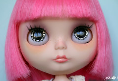 Beatrice's black & silver handpainted eyechips :)