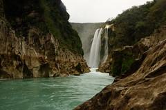 Cascada de Tamul (renedelagza) Tags: mexico waterfall kitlens cascada sanluispotosi tamul aquismon efs1855mmf3556is canoneosrebelxsi fototourflickrmonterrey