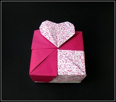 Square Box Heart (rebecccaravelry) Tags: origami heart box valentine container fuse tomokofuse