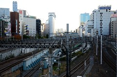JR Yamanote Line E231 Series Trains Passing Each Other at the North of Ikebukuro Station (ykanazawa1999) Tags: japan train tokyo jr ikebukuro yamanoteline e231series