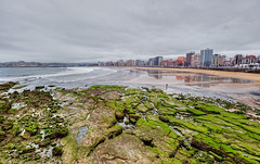 Beach  Playa de San Lorenzo, Gijn (Asturias), HDR (marcp_dmoz) Tags: ocean sea panorama espaa musgo beach strand photoshop reflections mar moss spain nikon rocks meer waves view map asturias playa moose atlantic vista handheld sanlorenzo aussicht nikkor 1735mmf28d gijon olas tone hdr rocas spanien principado reflejos atlantico wellen atlantik housefront gestein spiegelungen ozean photomatix asturien tonemapped tonemapping tonemap aceano d700 gettyimagesiberiaq3 gettyimagesiberiaq12012
