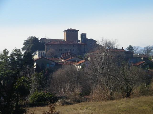 1] Roppolo (BI): il castello e le case