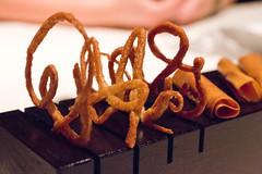 1989 telaraa de hojaldre #66 (Rene S. Suen) Tags: chicago cookies dessert cookie sweet treats next pastry treat feuilletine elbulli grantachatz renedinesout february2012 nickkokonas davidberan nextrestaurant nextelbulli nextrestaurantelbulli