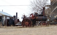 SKSW12b34 Steam Tractors at Piapot, Saskatchewan (CanadaGood) Tags: red brown house tractor canada color colour tree steam sk prairie saskatchewan agriculture 2012 piapot canadagood thisdecade