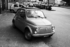 small car using pavement to turn (gorbot.) Tags: blackandwhite bw rangefinder genoa genova fiat500 f19 leicam8 ltmmount voigtlander28mmultronf19 siverefex