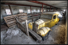 Follow me on Facebook (https://www.facebook.com/Aim.1.TDR) Tags: cars abandoned barn denmark tractionavant citron abigfave