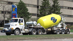 Unibéton (Gerard Donnelly) Tags: truck cement mixer camion sterling beton