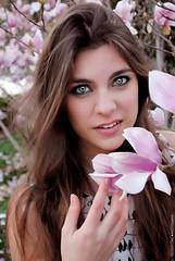 Belleza (NROmil) Tags: pink blue portrait color mujer eyes flickr retrato alma flor young rosa ojos bella mirada belleza dulce