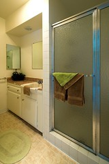 "RG-56 Bathroom • <a style=""font-size:0.8em;"" href=""http://www.flickr.com/photos/76147332@N05/7042813045/"" target=""_blank"">View on Flickr</a>"