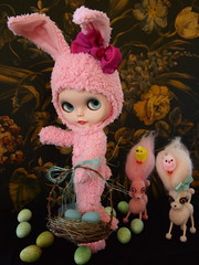 Oh No They Have Found Me (frankielulu2) Tags: girl hair easter pie sweet ooak violet sally bow eggs chicks custom madge mab bunneh vampoodles