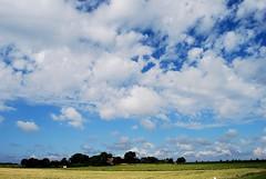 Himmlischer Jesu, von dem Himmel (amras_de) Tags: sky cloud heaven nuvola himmel wolke cel cu cielo nubes frise nuage nuvem nor nordsee friesland nube hemel himmelen schleswigholstein fhr caelum bulut wolk sk oblak nebo moln boira nvol zeru nebe pilvi frysln nebesa niebo frisia chmura taivas nordfriesland wyk oblaci hodei himmelriket nubo pilv wollek clood felho debesis cennet wykauffhr scamall makoni freesland fraschlnj mennyorszg nvol nvula dausos heiven