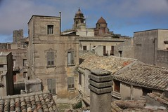 IMG_9609 (Andre56154) Tags: italien houses italy church buildings rooftops kirche roofs sicily altstadt oldtown gebude erice bergdorf huser dcher sizilien